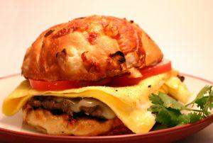 Solidne śniadanie bez mięsa? To możliwe!  Burgery wegetariańskie