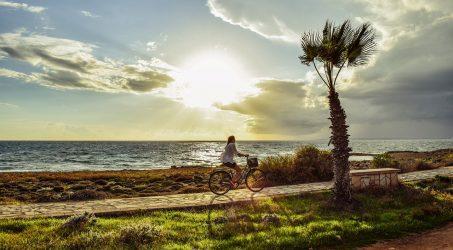Jak zadbać o swoje bezpieczeństwo na rowerze?